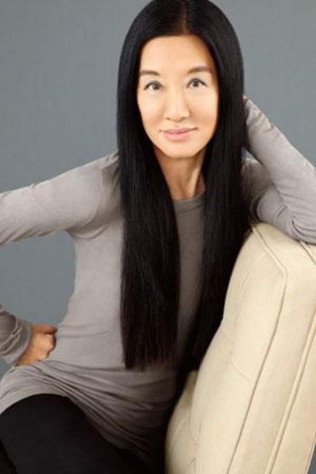 Вера Вонг Она не смогла попасть в олимпийскую сборную США по фигурному катанию. Потом она стала редактором в Vogue, но ее кандидатуру на пост главного редактора забраковали. Тогда Вонг в 40 лет стала дизайнером свадебных платьев и сегодня - ведущий дизайнер в этой отрасли.