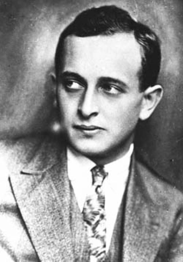 Именно он руководил всеми операциями по депортации евреев Европы в лагеря смерти во время Второй мировой войны.