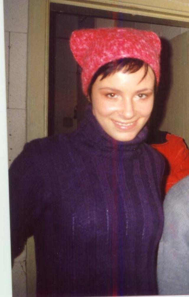 """Саша Зверева (группа """"Демо"""") . Группа """"выстрелила"""" в 1999 годус хитом """"Солнышко в руках"""", который раздавался буквально отовсюду."""