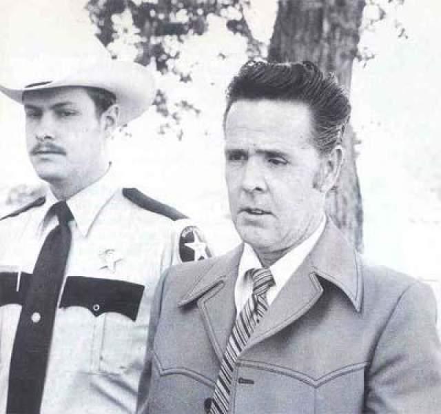 Лукас и Тул помогли полиции найти тела 246 пропавших. у них не было определенного способа убийства, они убивали людей всех рас, возрастов и полов. Тула обвинили в 5 убийствах, Лукаса - в 11.