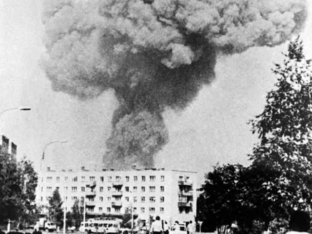 Тридцать один год назад, утром 4 июня 1988 года жители города Арзамас проснулись от страшного взрыва. Многие решили, что началась война. Ударная волна была такой силы, что повреждения получили дома в радиусе двух километров от эпицентра, некоторые здания оказались полностью уничтожены.