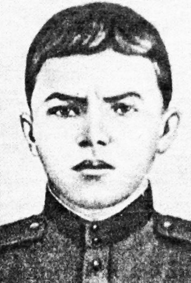 С 25 февраля 1943 года на фронте, служил в составе 2-го отдельного стрелкового батальона 91-й отдельной Сибирской добровольческой бригады имени И. В. Сталина