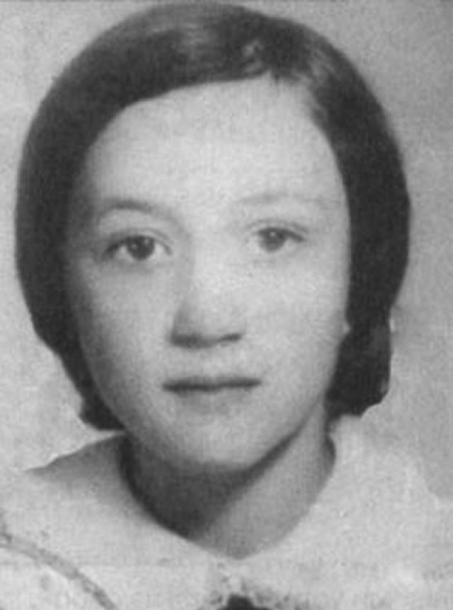 22 декабря 1978 года Чикатило совершает свое первое убийство. Его жертвой стала девятилетняя Лена Закотнова. На фото: Лена Закотнова