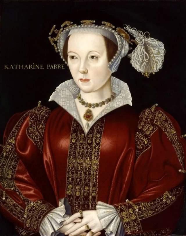 Пятая жена, Екатерина Говард, была такой же любвеобильной, как и стареющий король, потому вскоре потеряла голову. В прямом смысле: Генрих VIII казнил ее за измены. Последняя жена, Кэтрин Парр, была скромной и тихой. С этой женщиной король Генрих VIII встретил старость.