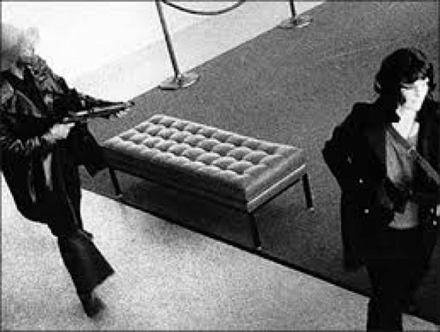 Когда ее поймали в 1975 году, адвокат во время судебного процесса пытался сделать из нее жертву, которая якобы страдала стокгольмским синдромом (когда жертва начинает симпатизировать похитителю). Однако у присяжных были серьезные сомнения в этом, поскольку во время ограблений ни один из похитителей не сопровождал Пэтти.