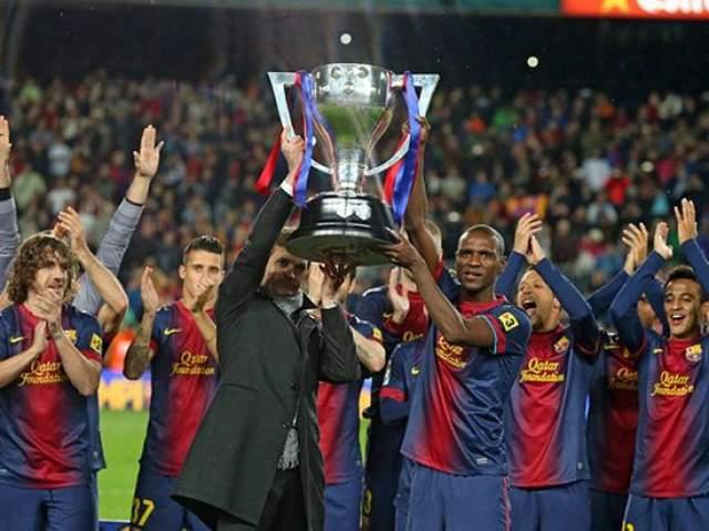 """В 2012 году стал главным тренером ФК """"Барселона"""". Проработал всего один сезон и ушел из-за болезни. Спустя год он умер от рака слюнных желез."""