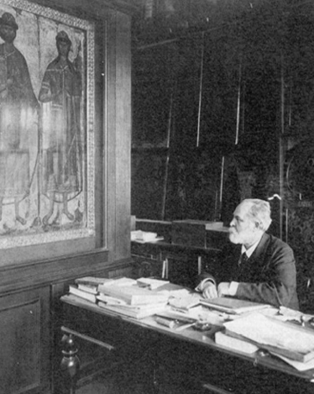 В приговоре не было сказано ни слова о конфискации, но ОГПУ вывезло абсолютно все ценности, включая книги и рукописи, принадлежавшие семье академика.