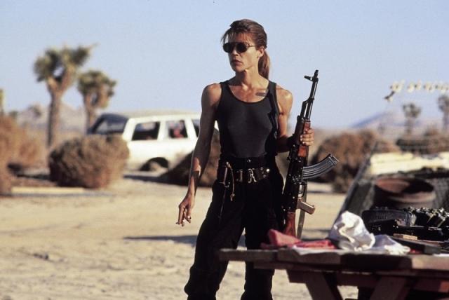 """Линда Хэмилтон – Сара Коннор. То же самое случилось и с актрисой– после """"Терминаторов"""" Камерона ее можно было видеть в разве что в """"Пике Данте"""" с Пирсом Броснаном, а потом – малобюджетное кино, сериалы, короткометражки…"""