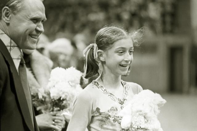 Елена Водорезова (фигурное катание). Первая советская фигуристка, получившая медали чемпионатов Европы и мира в одиночном катании.