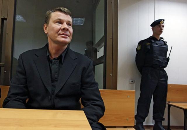 """Однако позже в передаче """"Человек и закон"""" отец Владислава Галкина актер Борис Галкин предоставил факты, на основе которых можно сделать предположение о преднамеренном убийстве."""