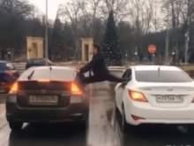 Воронежец повторил знаменитый трюк Жан-Клода Ван Дамма