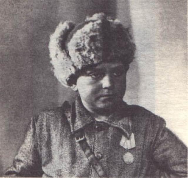 Леня Голиков. С началом Великой Отечественной войны летом 1941 года родные места мальчика были оккупированы фашистами.
