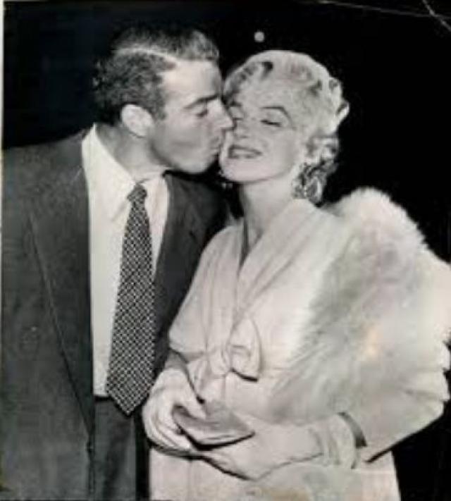 Мэрилин умерла 5 августа 1962 года, а повторная свадьба по слухам была назначена на 8 августа 1962 года.