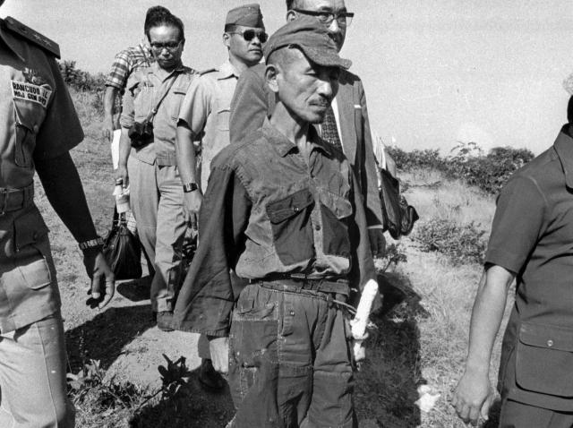 Проведя почти 30 лет в джунглях, Хирро сдался филиппинским властям только в 1974 году. В течение всех этих лет офицер отказывался верить в то, что война закончилась.