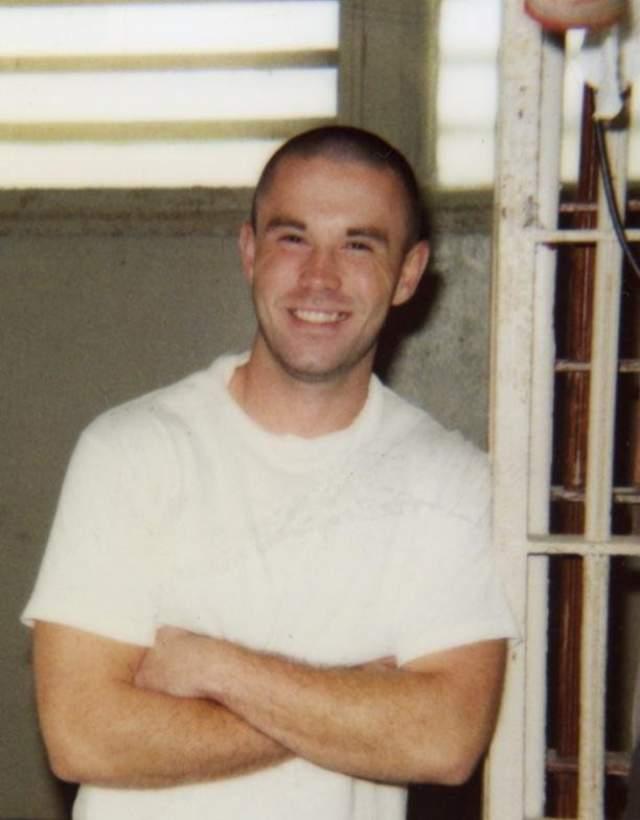 Марк Энтони Дьюк. В марте 1997 года 16-летний парень убил собственного отца, его невесту и двух ее дочерей. Защита пыталась доказать, что убитый был пьющим и жестоким родителем, а остальных жертв юноша не убивал.