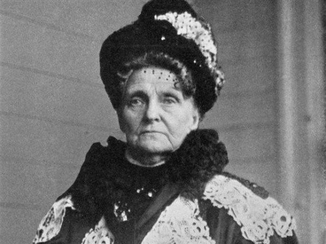 """Генриетта Грин . """"Ведьма с Уолл-Стрит"""", которая возвела экономию в культ. Она никогда не включала отопление и не пользовалась горячей водой. Она носила единственное старое чёрное платье и меняла нижнее бельё, только когда оно полностью изнашивалось."""