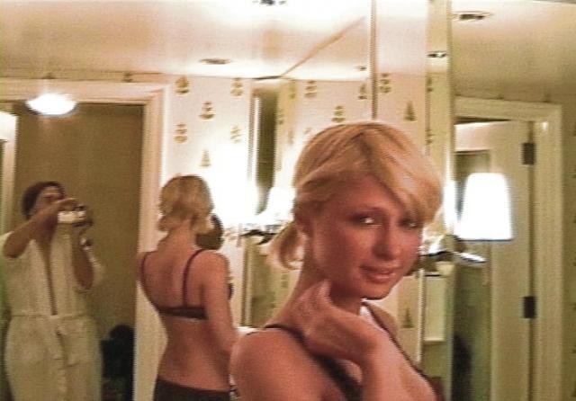 В 2003 году в Интернете появилась запись горячего времяпрепровождения 18-летней Пэрис и ее бойфренда, 31-летнего Рика Саломона, в отеле Лас-Вегаса.