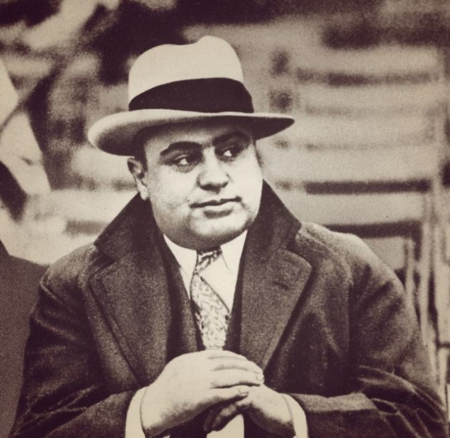 """Аль Капоне : """"Можно ли простить врага? Бог простит! Наша задача организовать их встречу."""""""