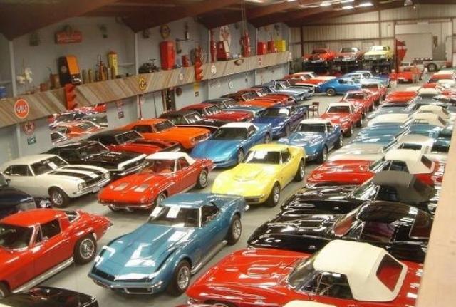 Также султан собрал самую крутую коллекцию автомобилей – около 5000 машин, в том числе и болиды Михаэля Шумахера