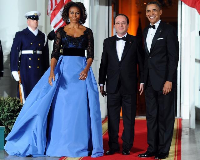 """Мишель Обама. Первая леди США славится утонченным вкусом, но и ее частенько """"заносит"""" в слишком уж вызывающий стиль."""