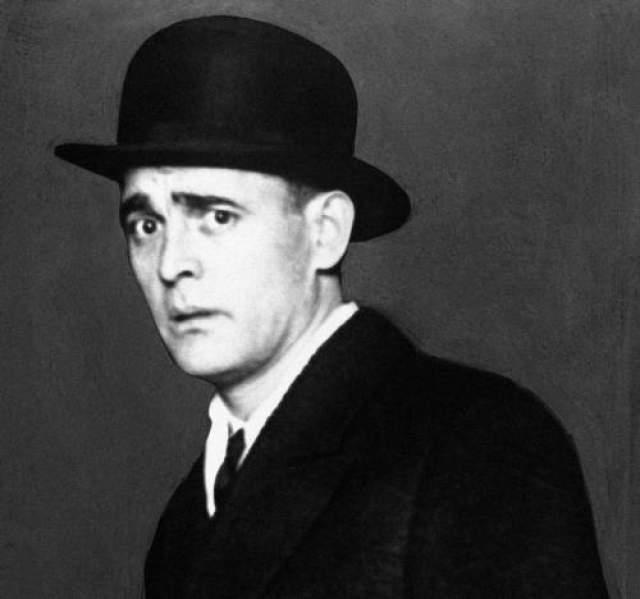 """Джек Даймонд Джек """"Ноги"""" Даймонд родился в Филадельфии в 1897 году. Он был значимой фигурой во времена сухого закона и лидером организованной преступности в США. Заработав прозвище Ноги за умение быстро уходить от погони и экстравагантную манеру танцевать, Даймонд также был известен беспрецедентной жестокостью и убийствами. Его преступные эскапады в Нью-Йорке вошли в историю, как и организации по контрабанде спиртного в городе и окрестностях."""