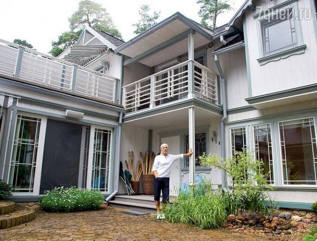 Михаил Задорнов - счастливый владелец дома в Юрмале.