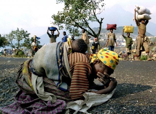 14 апреля - Бельгия заканчивает вывод своих военнослужащих из Руанды. 15 апреля - в центре Святого Иосифа, в Кибунго, 2800 человек народности тутси закиданы гранатами.