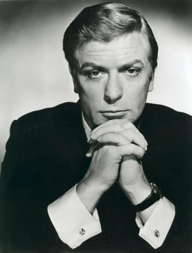 """За свою многолетнюю карьеру стал обадателем двух """"Оскаров"""" и трех """"Золотых глобусов"""". Является одним из двух актеров (второй - Джек Николсон), выдвигавшихся на соискание премии """"Оскар"""" в каждом десятилетии 1960-2000-х годов."""