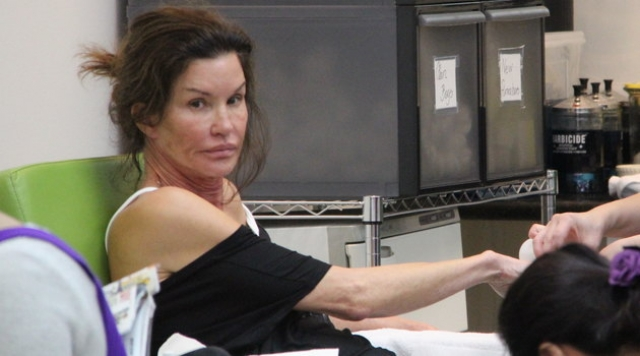 Участие в жюри реалити-шоу America's Next Top Model последовательно перешло в идею Джанис открыть свое агентство, что она вскоре и сделала. Модельное агентство Дженис Дикинсон начало свою работу в 2006 году.