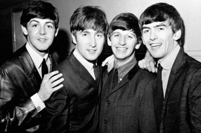 Beatles В 1996 году музыканты группы Beatles, сами того не подозревая, очень оскорбили первую леди Филиппин. Все для в том, что во время нахождения в этой стране, они были приглашены на завтрак в Президентский дворец.