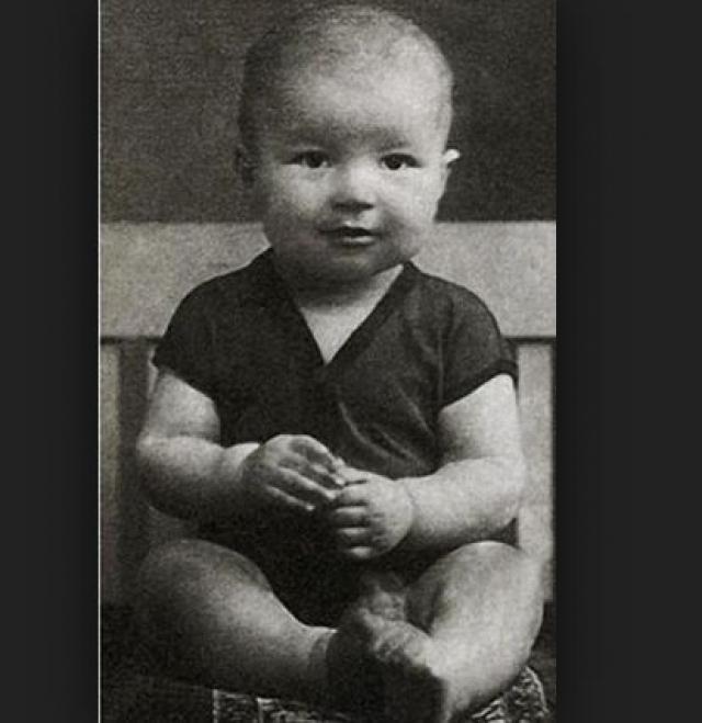 Жора Бурков в детстве, в далеком 1934 году.