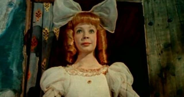 """Лина Бракните, Суок в """"Три толстяка"""". После роли Суок юная литовская актриса сыграла главную роль в фильме """"Дубравка"""", за исполнение которой была удостоена приза за лучшую женскую роль на Республиканском кинофестивале 1967 года в Вильнюсе."""