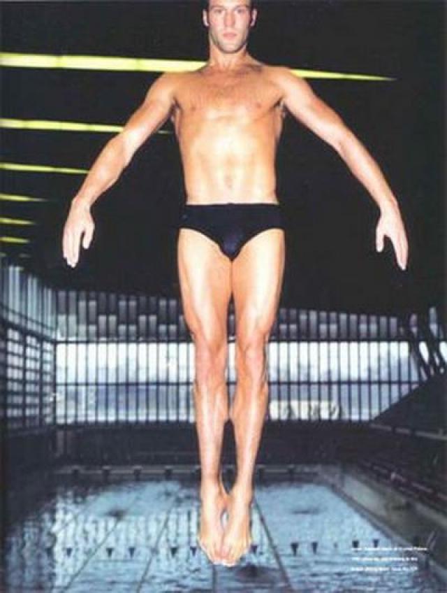 В юном возрасте он даже входил в состав национальной сборной по этому виду спорта, а его самым высоким достижением стало 12 место на чемпионате мира в 1992 году.