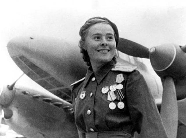 Лиля Литвяк - самая победоносная летчица Второй мировой войны. Всего совершила 168 вылетов, 12 личных побед и 4 в группе. 1 августа 1943 года Литвяк не вернулась с боевого задания.