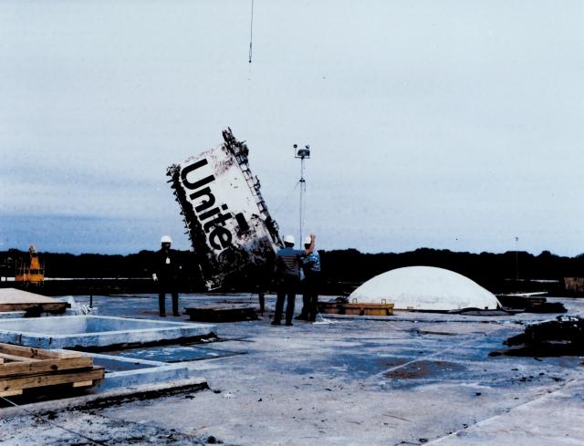 """Обломки """"Челленджера"""" после анализа были захоронены в бывшей ракетной шахте на мысе Канаверал (стартовый комплекс 31)."""
