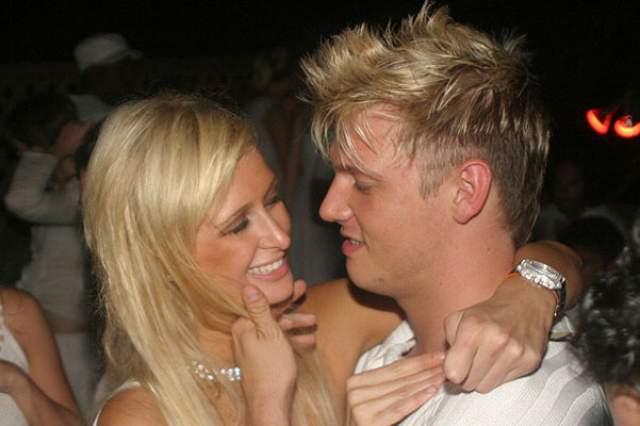 Драка с бойфрендом. 2004 год. 33-летний Ник Картер, солист некогда популярной группы Backstreet Boys встречался с богатой наследницей сети отелей Хилтон с 2003 по 2004 год.