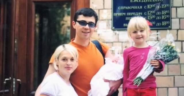 """За время брака у Сергея и Светланы родились двое детей: сын Саша и дочь Ольга. В 2014 году Оля окончила школу, а после поступила на бюджетное отделение ВГИКа на специальность """"Артист драматического театра и кино""""."""