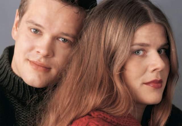 """Хедлунд - бывшая супруга Хаапасало - в 2003 году получила роль в финском фильме """"Пятница"""", где также играл ее супруг Вилле. Но они развелись в 2009-2010 году, и теперь о ней и их двоих детях ничего не слышно."""
