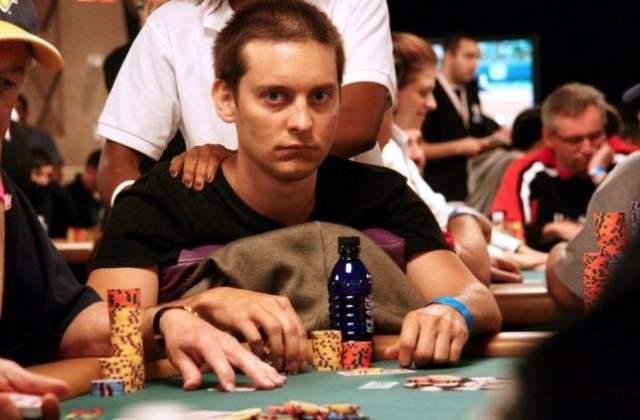 Он проиграл Тоби в покер $311 тысяч, причем $110 тысяч Магуайр выиграл с одной раздачи.