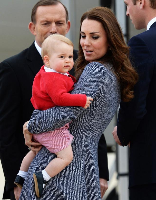 В середине 2014 года стали ходить слухи, что Кэтрин, герцогиня Кембриджская,снова беременна.