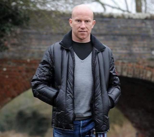 В декабре 2011 году Хьюз был арестован по обвинению в изнасиловании, но впоследствии получил штраф в размере 500 фунтов только за нападение на неизвестную женщину, а обвинение в изнасиловании было снято.