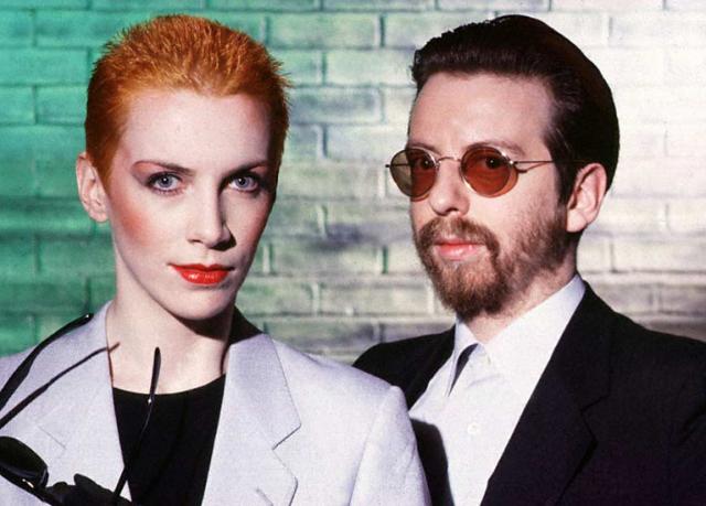 Eurythmics. Британский синти-поп-дуэт, основанный в 1980 году композитором и музыкантом Дэйвом Стюартом и певицей Энни Леннокс, стал настоящим музыкальным открытием. Причем заметную роль в успехе играл и имидж вокалистки.