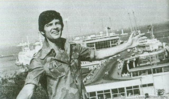 """В 1986 году певец был обнаружен мёртвым в Цойтенском озере недалеко от своего дома в Восточном Берлине. Официально было объявлено, что он утонул. Немецкие друзья Рида считали это самоубийством. Семья певца полагает, что его убили сотрудники """"Штази"""" за то, что он в последнее время хотел вернуться в США."""
