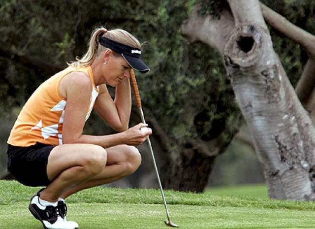 Так в 2003 году Баггер не разрешили вступить в Австралийскую профессиональную женскую ассоциацию гольфа.