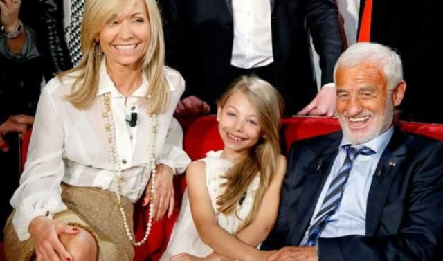 Жан-Поль Бельмондо, 86 лет, Франция. Главным в жизни для Бельмондо, по собственному признанию, всегда была семья: родители, дети, женщины и впоследствии внуки.