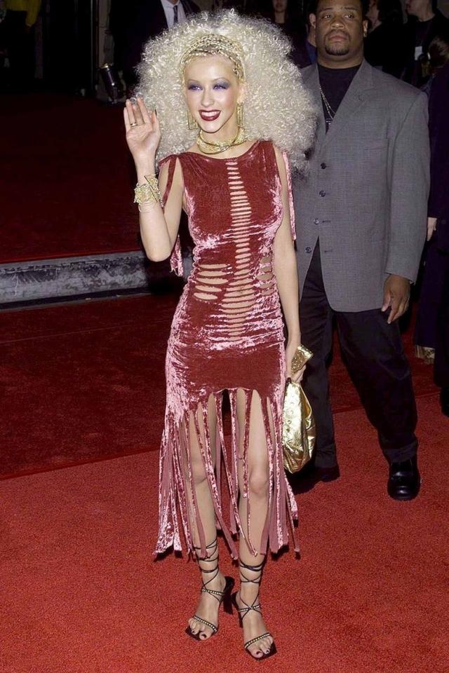 На вручение премии в Лос-Анджелесе Кристина Агилера примерила образ сумасшедшей старушки.