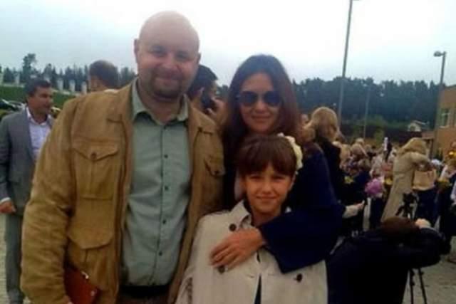 Екатерина Климова, 41 год . Впервые актриса вышла замуж сразу после школы - ювелир Илья Хорошилов долго и красиво ухаживал, поэтому девушка быстро дала ему согласие на предложение руки и сердца.