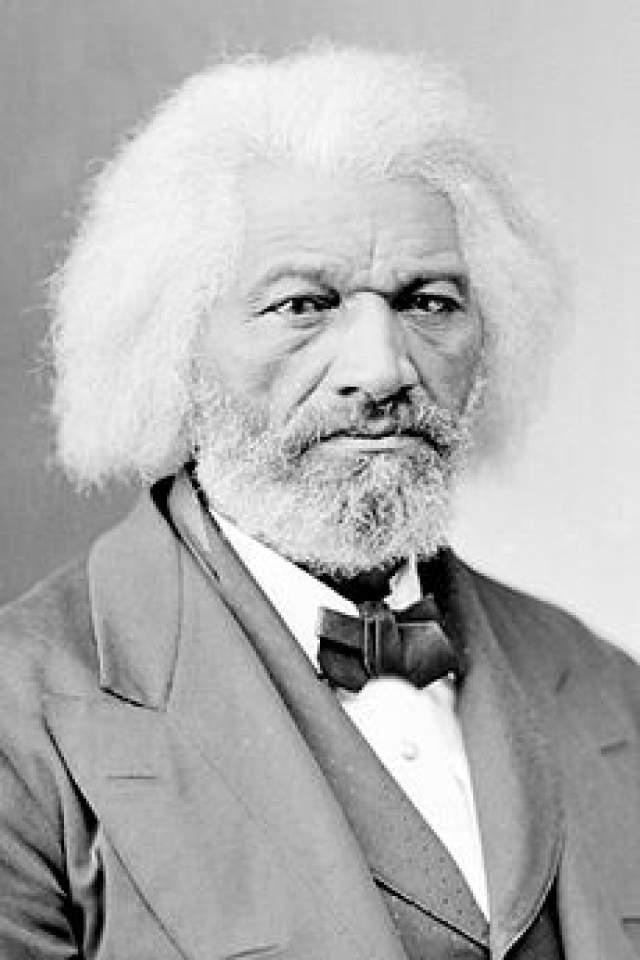 Фредерик Дуглас. Уошингтон Бейли, который позднее взял псевдоним, был писателем, публицистом и борцом за права чернокожего населения. При этом сам он был рабом, как и его предки - его отняли у матери в четырехлетнем возрасте. В результате он даже не знал года своего рождения.