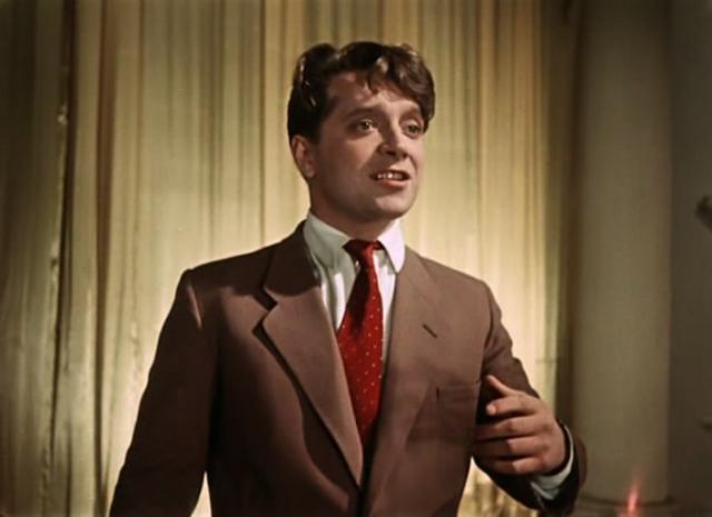 Юрий Белов. Актер только-только окончил ВГИК в 1955 году, когда его пригласили в кинохит, благодаря роли Гриши в котором он стал необычайно знаменит.