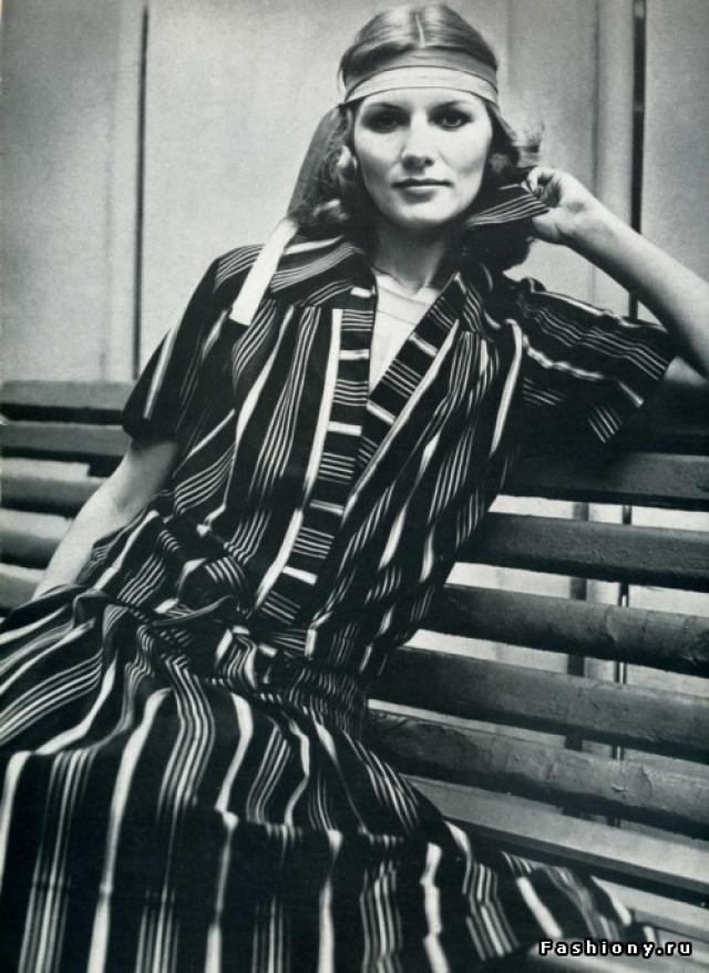 После школы она получила профессию медработника и скромно трудилась в санэпидемстанции. В Общесоюзный дом моделей на Кузнецком мосту Чапыгина попала только в возрасте 23 лет.